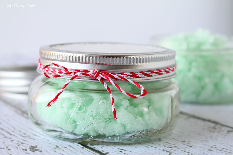 This Homemade Mint Sugar Scrub is a perfect DIY gift idea! Inexpensive and easy to make!