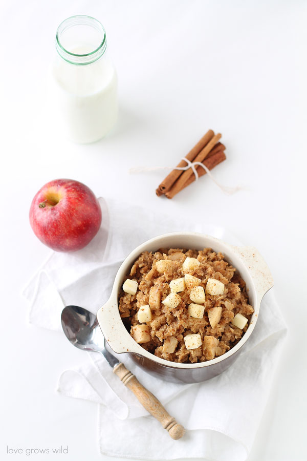 Apple Cinnamon Baked Oatmeal - Soft, sweet apples baked into creamy ...