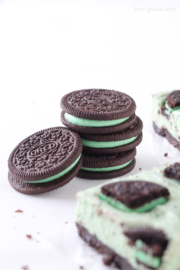 Mint Oreo Cheesecake Bars - the perfect mint chocolate treat! | LoveGrowsWild.com