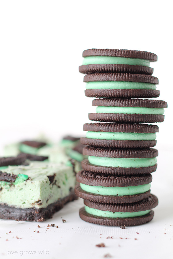 Mint Oreo Cheesecake Bars - the perfect mint chocolate treat! | LoveGrowsWild.com