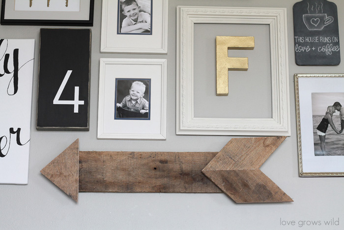 Learn how to create this simple, rustic wood pallet arrow!   LoveGrowsWild.com