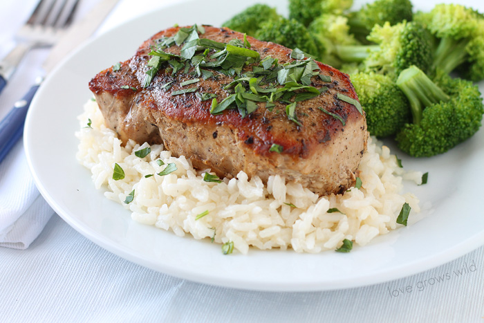 Juicy, tender pork chops with a flavorful herb rub! Such a quick and healthy dinner idea! | LoveGrowsWild.com