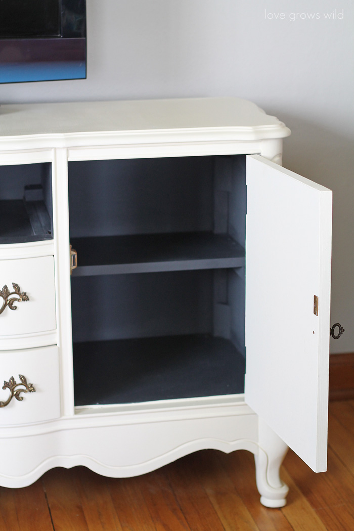A media console gets a BIG Chalk Paint® makeover! Come see the transformation step-by-step!   LoveGrowsWild.com