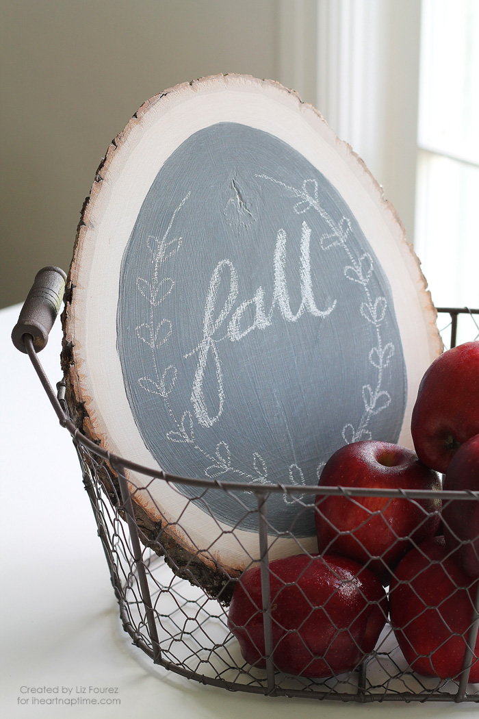 Wall Colour Inspiration: DIY Chalkboard Sign