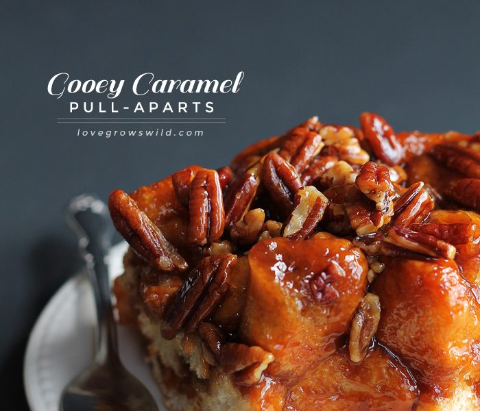 Gooey Caramel Pull-Aparts - only 5 ingredients needed for this delicious, decadent treat! | LoveGrowsWild.com