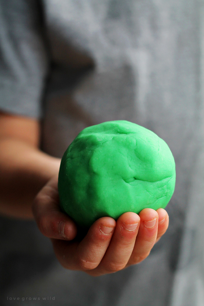 Learn how to make your own play dough at home! Fast, easy, and keeps the kids entertained for hours! Details at LoveGrowsWild.com