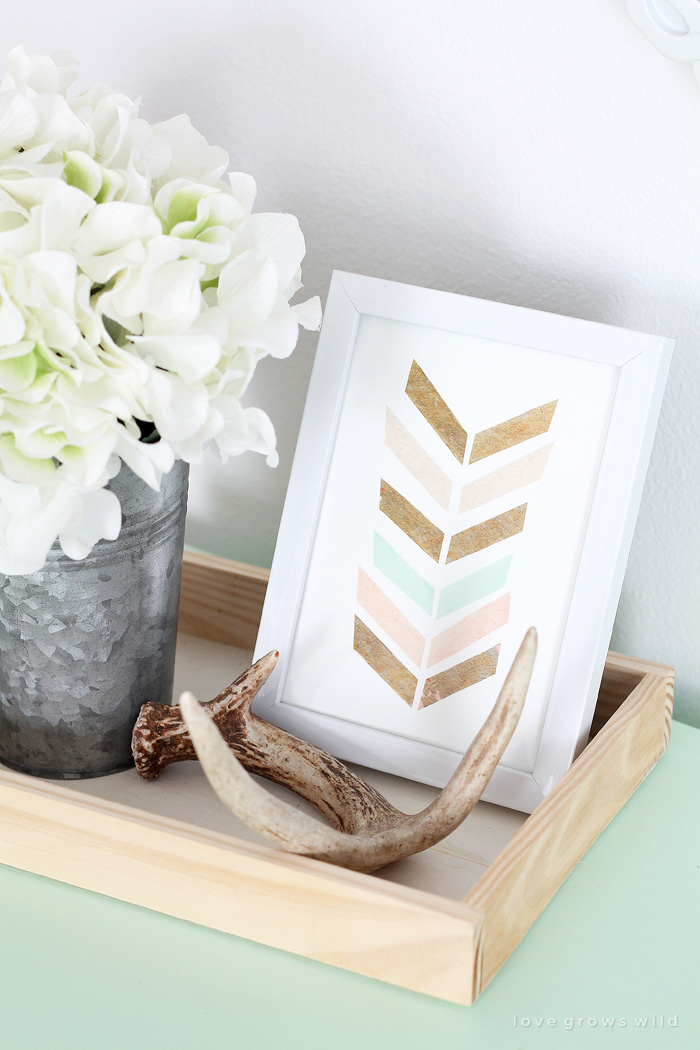 Learn how to make your own #Selfie Sign at LoveGrowsWild.com!