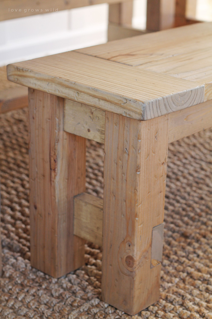 Diy farmhouse bench love grows wild learn how to build an easy diy farmhouse bench perfect for saving space in a solutioingenieria Image collections