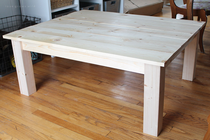 Diy farmhouse coffee table love grows wild Homemade coffee table plans