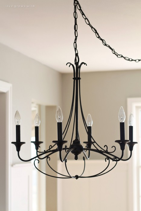 A Rustic Chandelier To Go With Beautiful Farmhouse Table See More Photos At Lovegrowswild