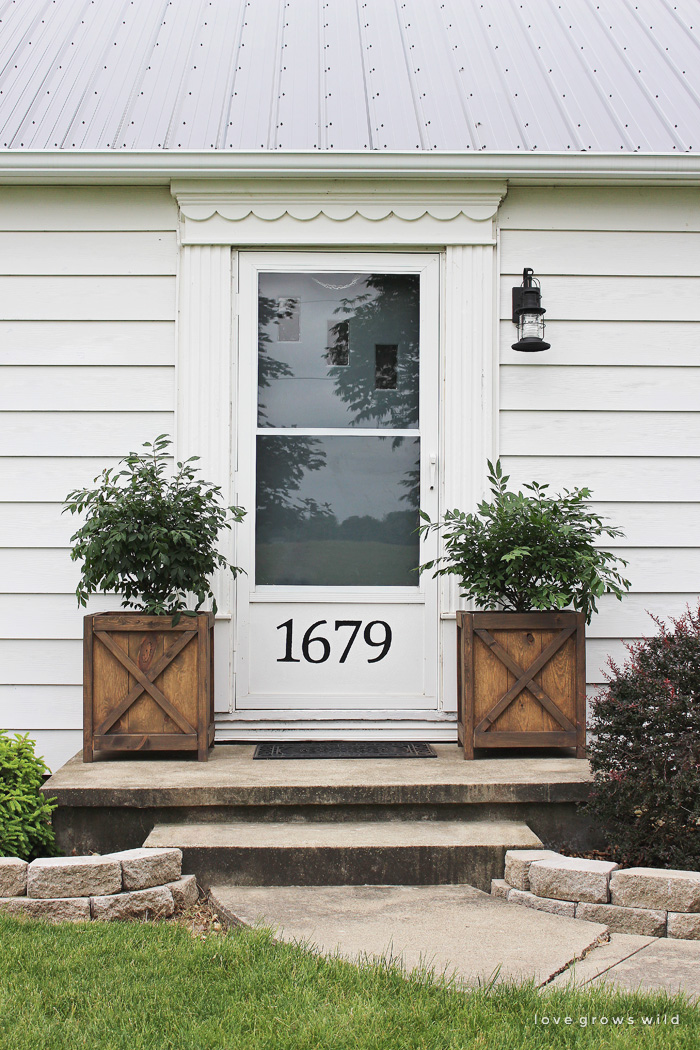 Perfect Get All The Details Of This Charming Front Porch Makeover Featuring DIY  Wood Planters And A
