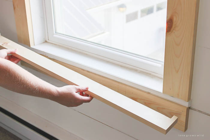Learn how to bulk up the trim around your windows for a beautiful farmhouse look! & Farmhouse Window Trim - Love Grows Wild