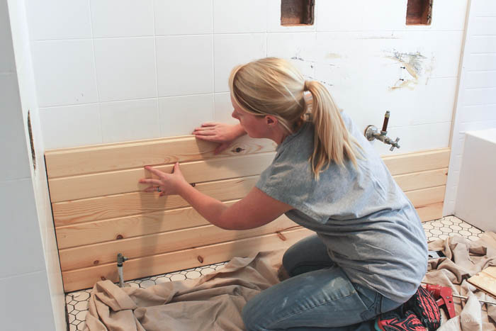 Follow Along The Big Makeover Of This Beautiful Farmhouse Bathroom! In This  Post, Liz