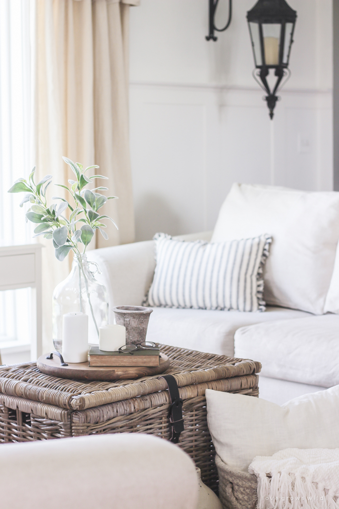 ... A Cozy Farmhouse Living Room With Beautiful Linen Slipcovered Sofas.