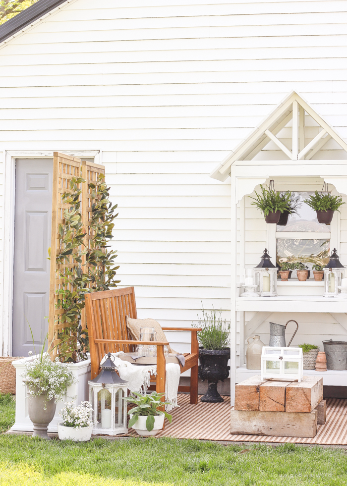 Learn how to make this gorgeous DIY Trellis Planter for your garden or patio! Perfect for adding a little privacy and a great project for beginners!