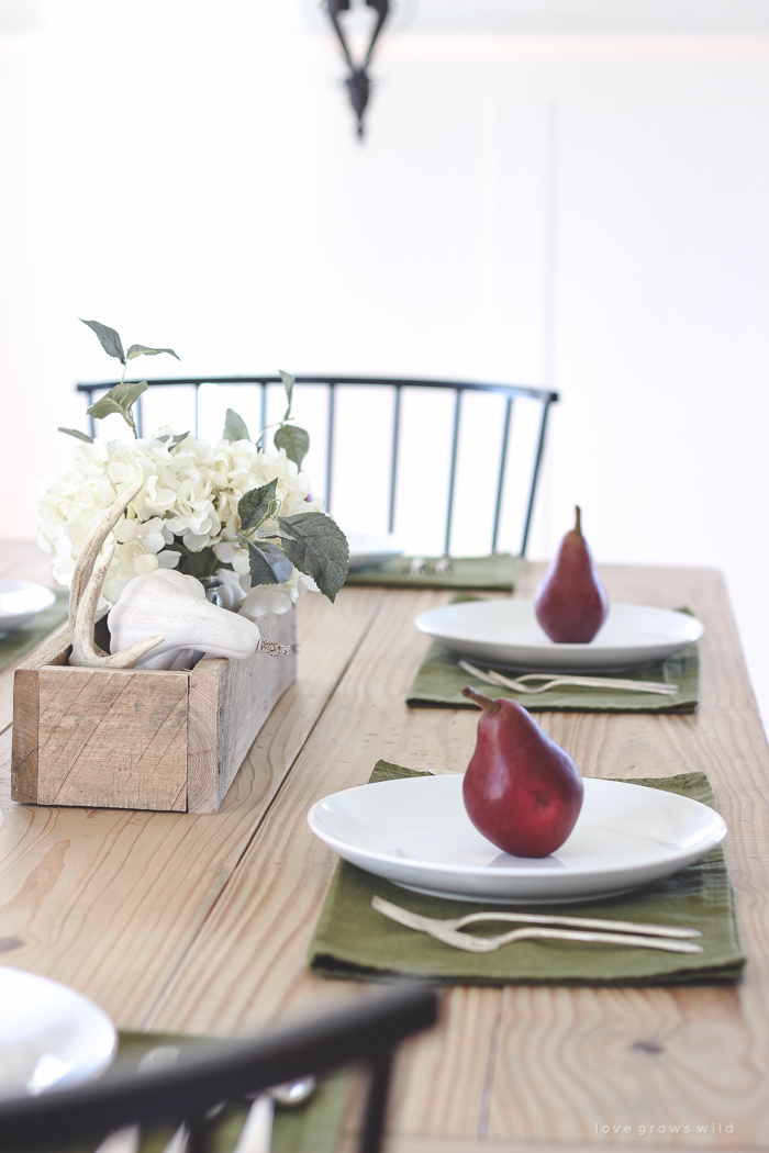 A beautiful farmhouse table setting decorated with simple touches of fall!