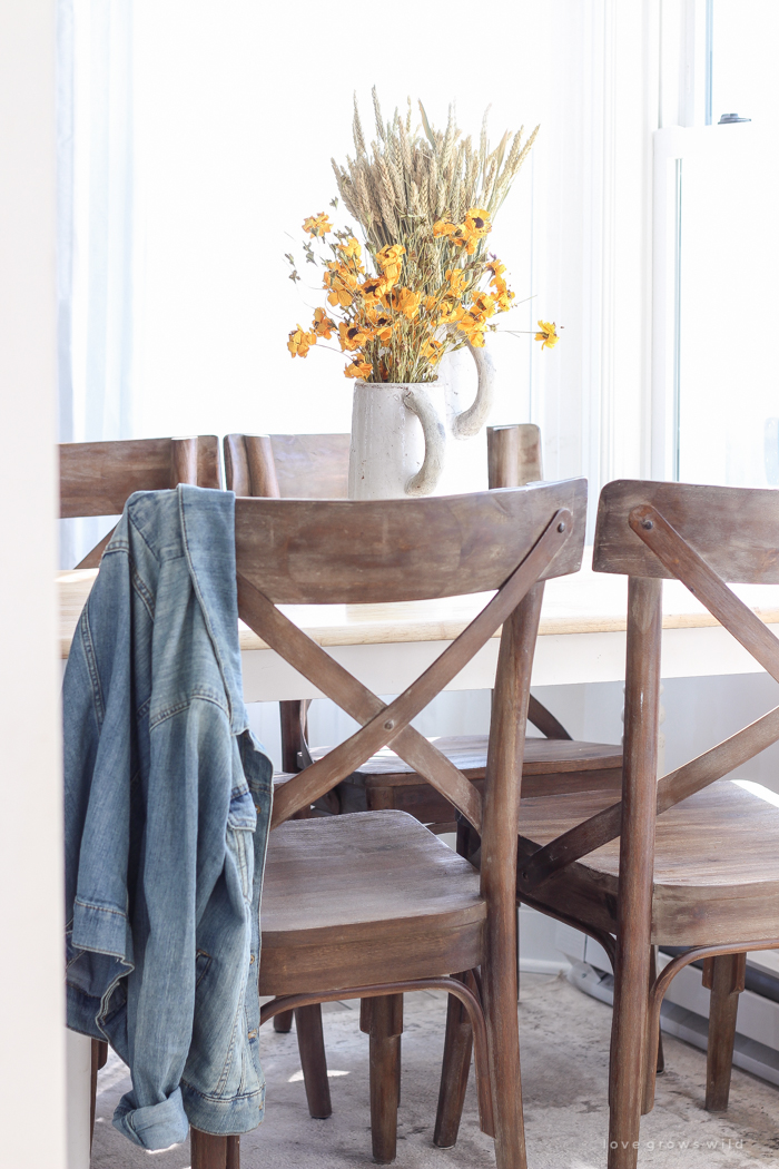 A beautiful farmhouse kitchen decorated with simple touches of fall!