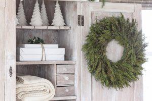 Farmhouse Christmas Entryway
