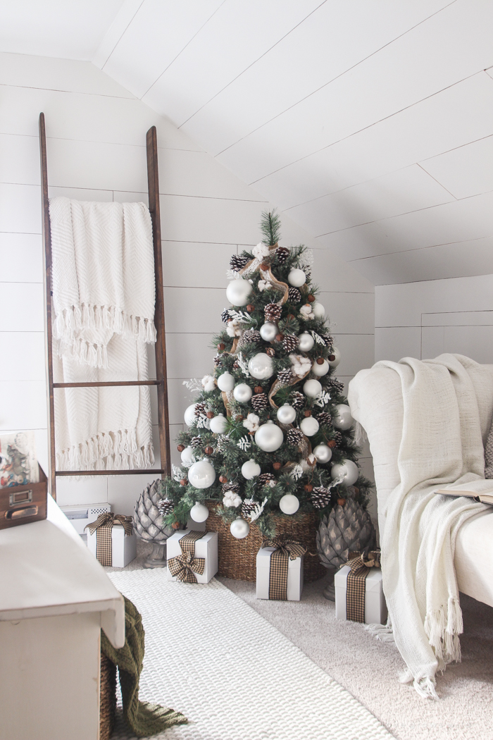 A Beautiful Farmhouse Bedroom Decorated For The Holidays!