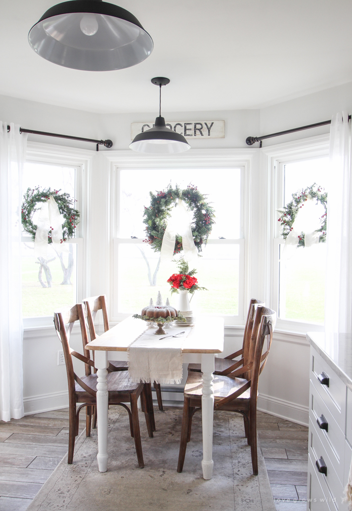 A beautiful farmhouse kitchen decorated for the holidays!