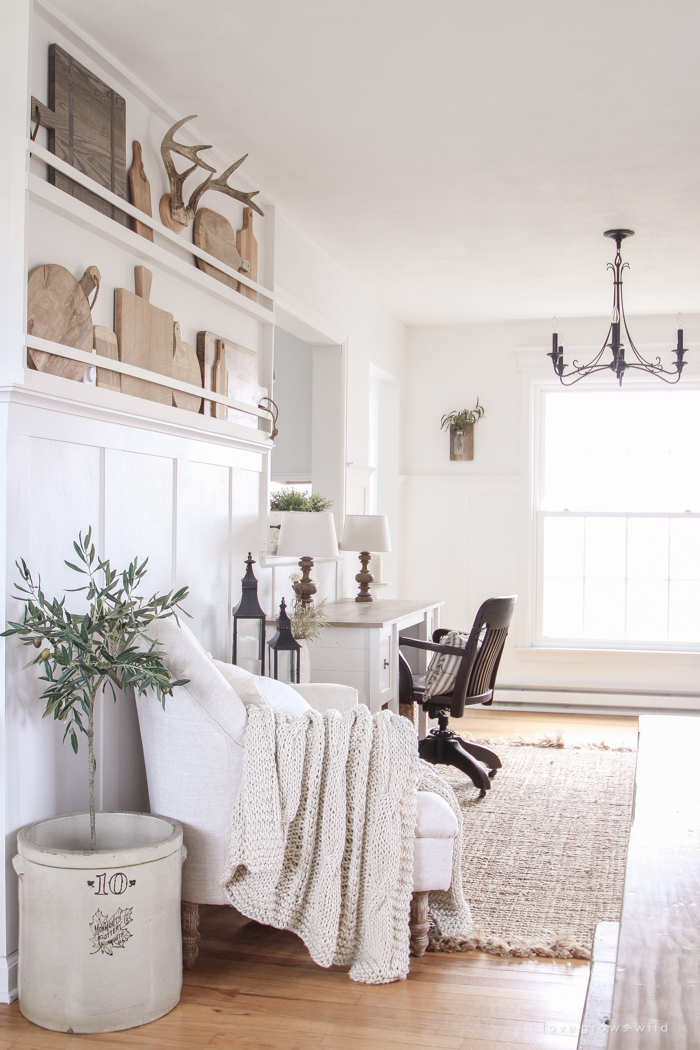 A Mini Office in the Entryway   Making use of small spaces in this beautiful Indiana farmhouse