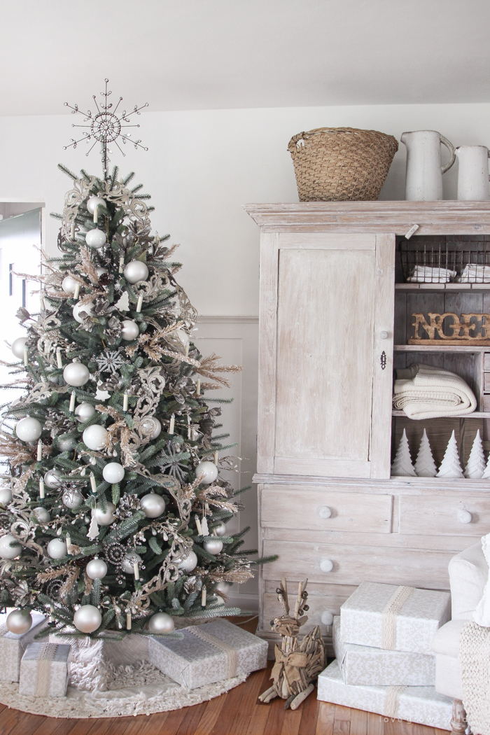 Neutral Christmas Living Room Love Grows Wild