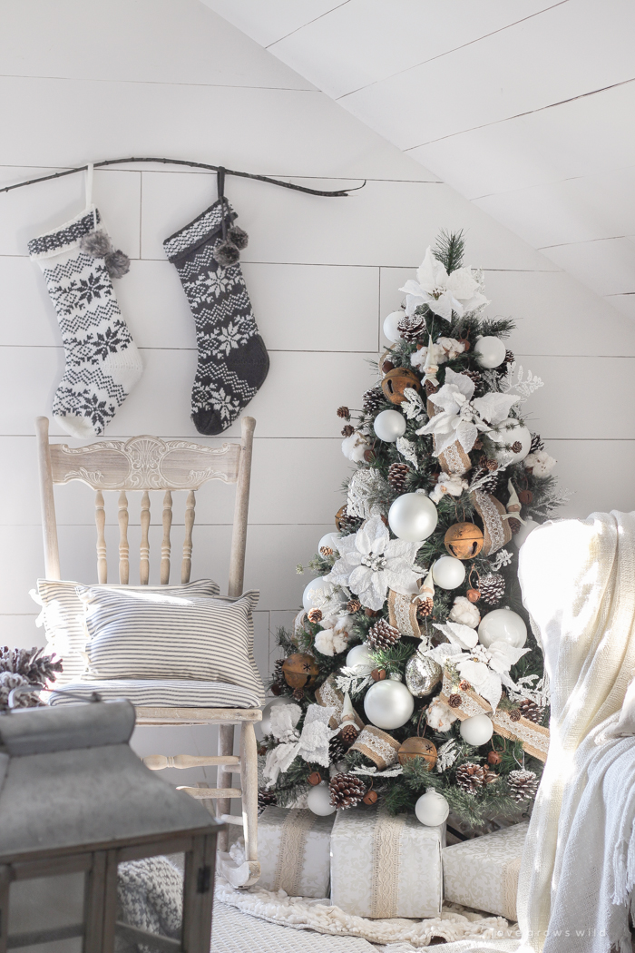 White And Cream Christmas Bedroom Love Grows Wild