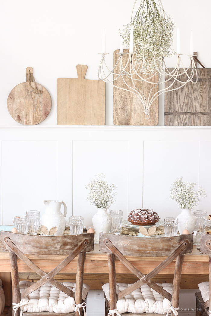 A simple spring tablescape in a beautiful Indiana farmhouse