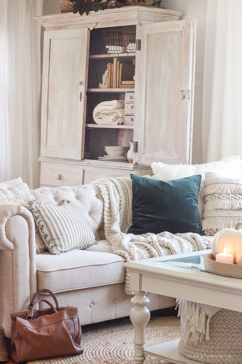 simple touches of fall in this beautiful neutral living room - Neutral Living Room