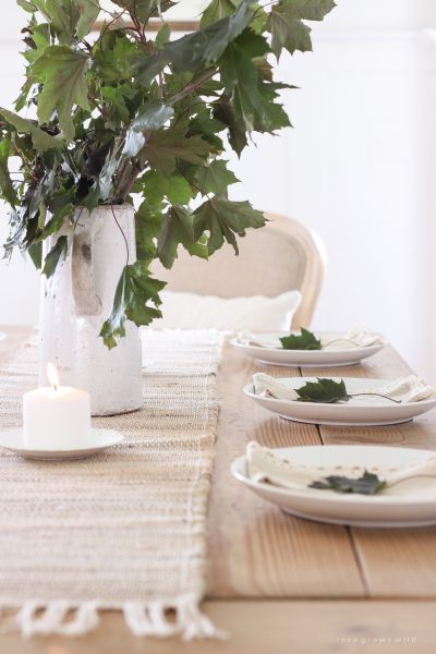 Simple Falling Leaves Tablescape
