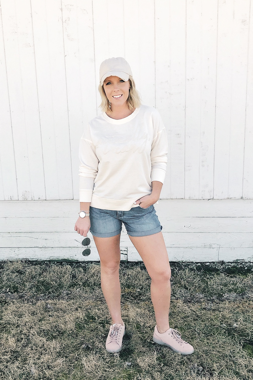 Home and lifestyle blogger Liz Fourez shares spring outfit ideas that are both affordable and stylish