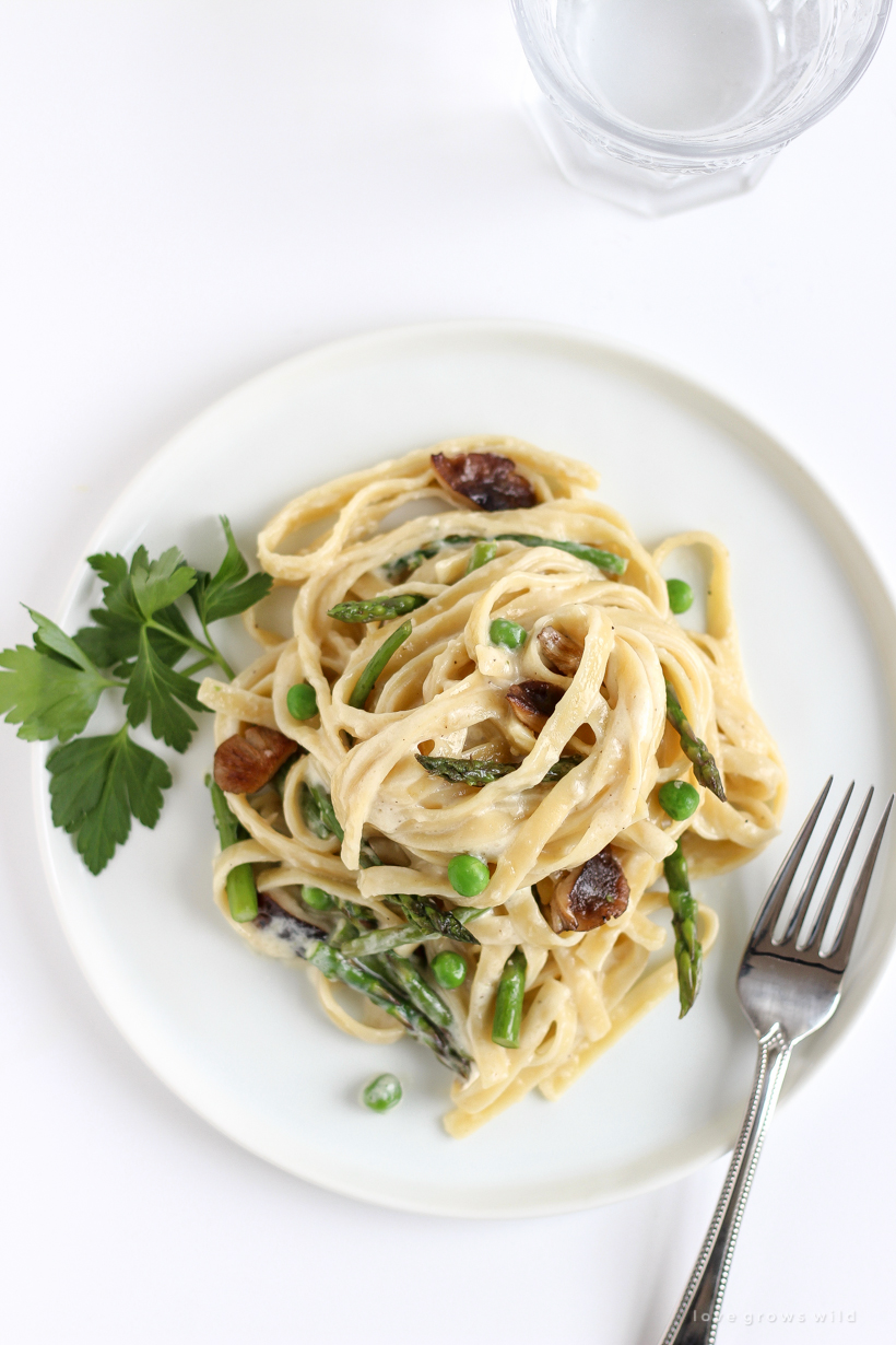 Try this quick and easy dinner recipe - delicious Spring Vegetable Fettuccine Alfredo!