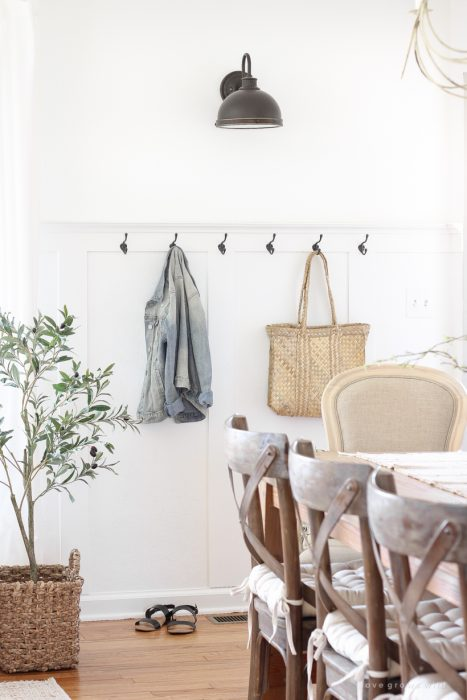 Creating A Simple Entryway In A Small Space