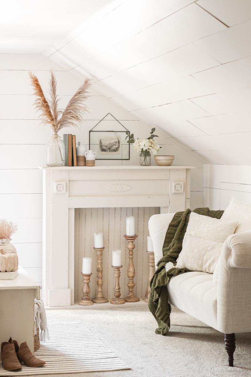 Home and lifestyle blogger Liz Fourez decorates a beautiful farmhouse bedroom for fall