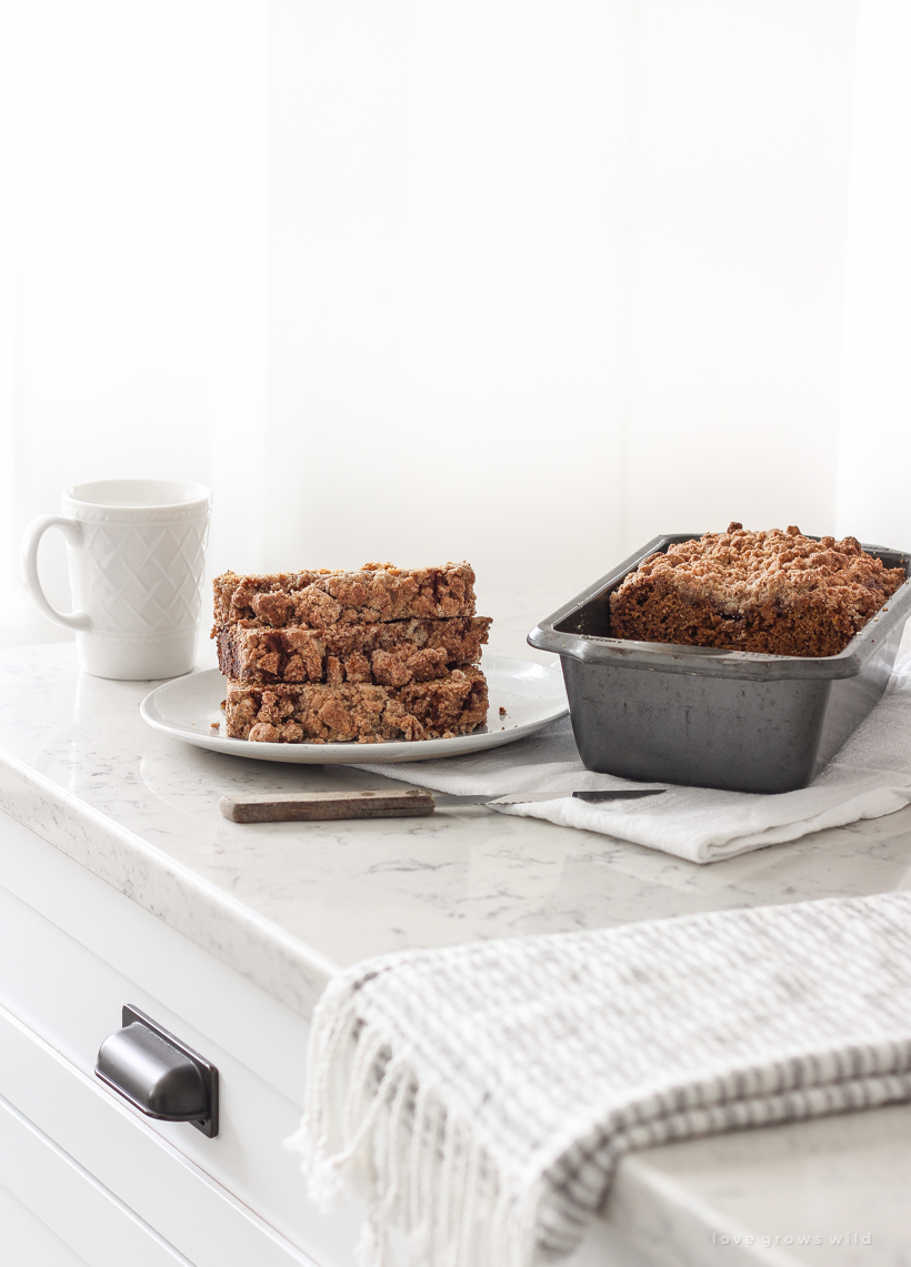 The best pumpkin bread with a crunchy cinnamon streusel topping that bakes up perfectly every time.