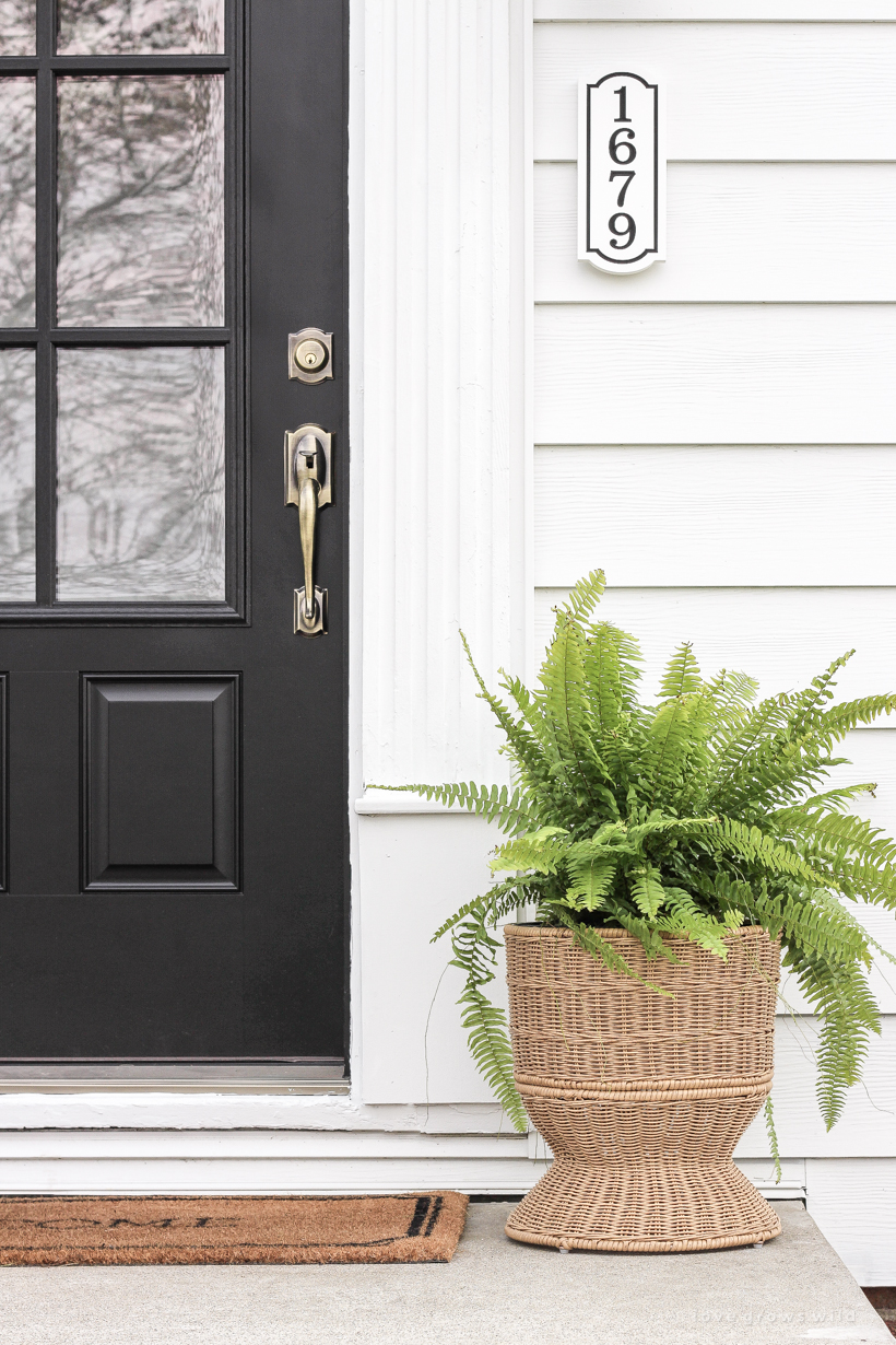 A simple, but stunning front porch makeover from home blogger Liz Fourez of LoveGrowsWild.com