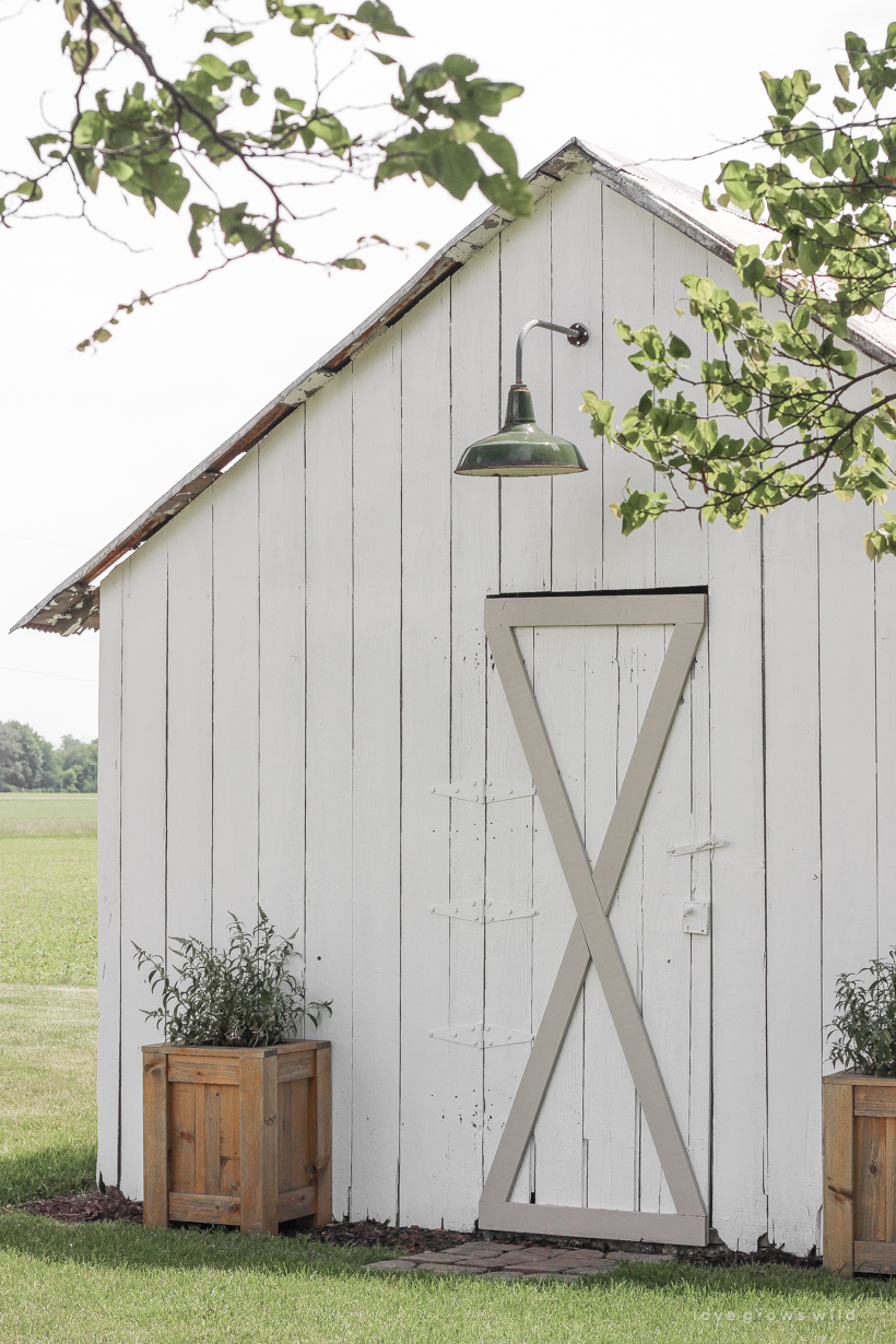 See the transformation as this old barn gets a beautiful makeover! details at LoveGrowsWild.co