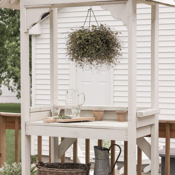 Building plans for a beautiful DIY potting bench and simple, easy ideas for styling