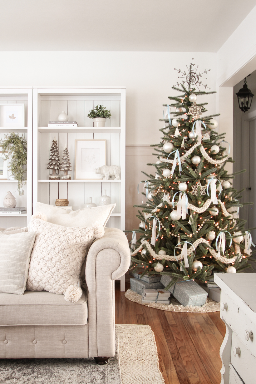Interior decorator and home blogger Liz Fourez shares her beautiful Christmas tree and living room