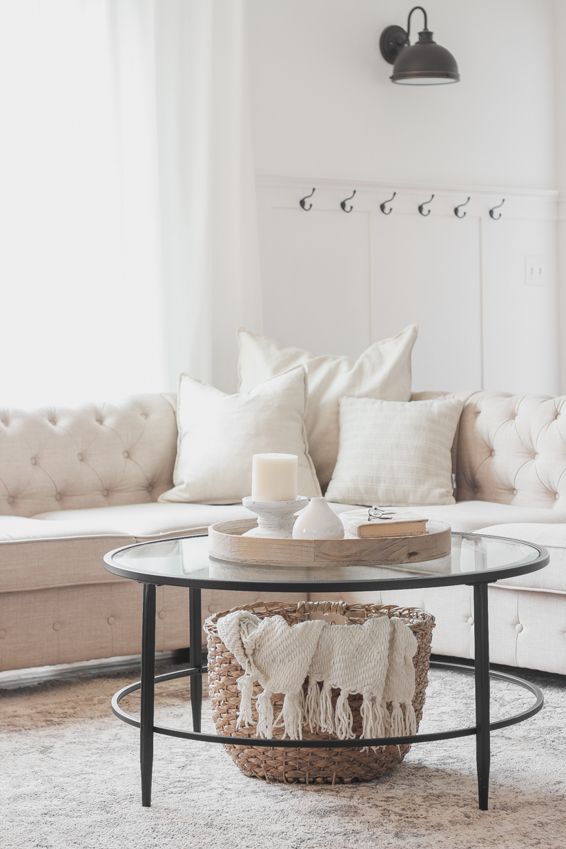 The easiest way to keep your home free of clutter and tidy! Learn more about this helpful tip from home blogger and interior decorator Liz Fourez.