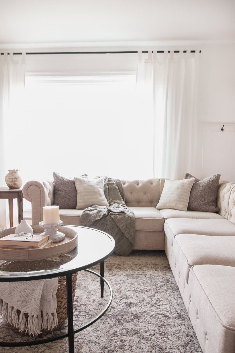 The Simple Pillow Formula for Your Sofa! Unsure how many, what size, and what kind of pillows should go on your sofa? Check out my simple formula for a perfectly styled sofa!