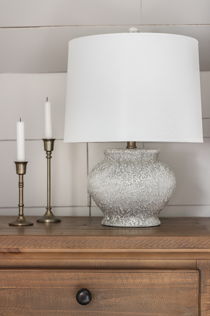Learn how to give any surface a beautiful gold finish quickly and easily with this tutorial from home blogger and interior decorator Liz Fourez